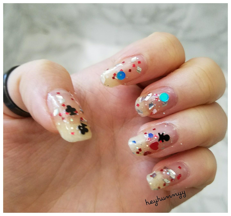 ::HUNNYYHOLIDAYS:: Day 5 – Sparkle Nails!